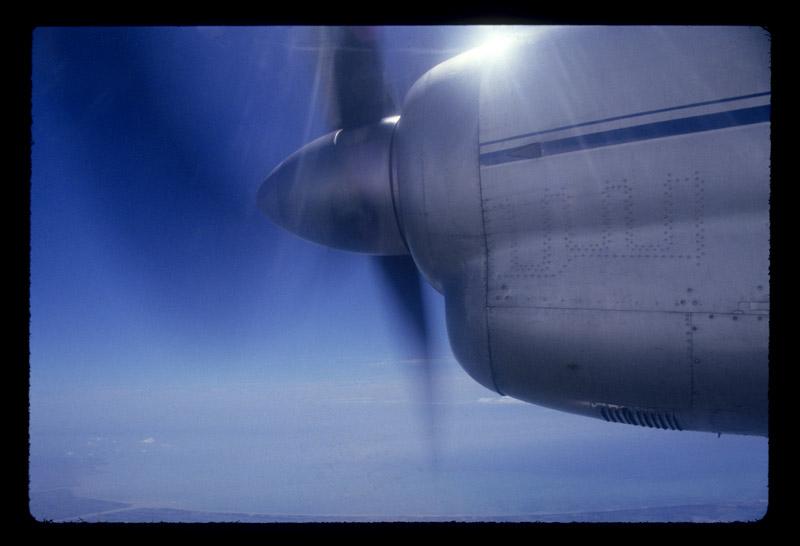 Airplane_SkyBlueSky
